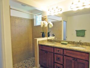 Double sink in Master Bath