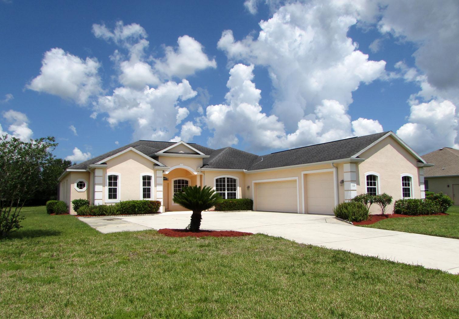 listings real estate is simple very spacious 4br 3ba 3car home